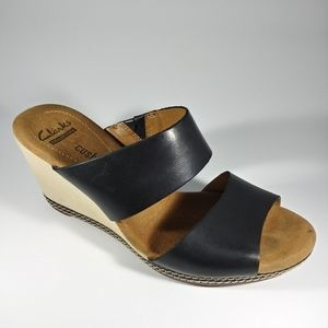 Clarks soft cushion black leather wedge si…